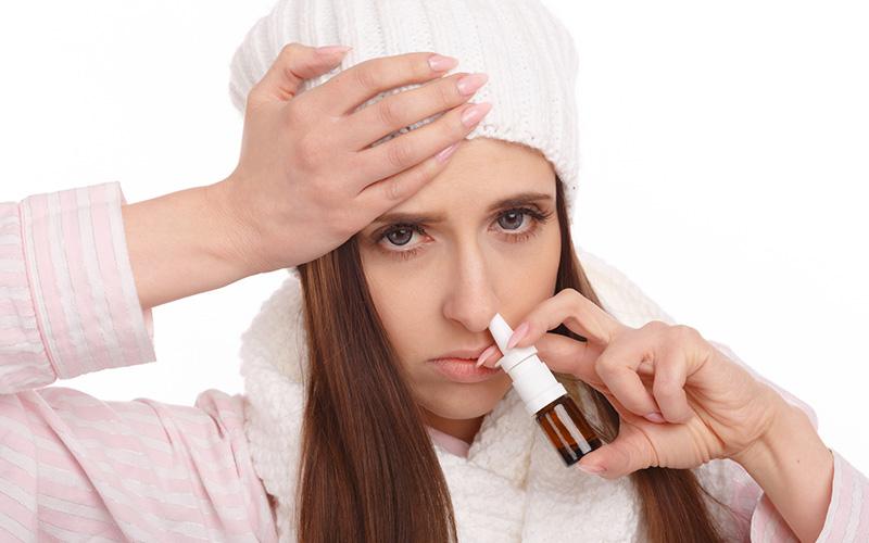گرفتگی بینی در بزرگسالان ؛ آیا باید به پزشک مراجعه کرد؟