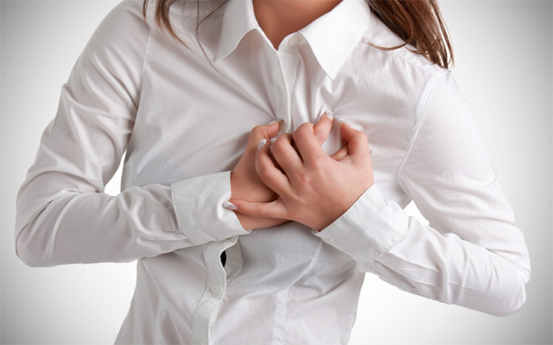 علل درد سینه در زنان