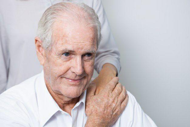 نحوهی مراقبت از بیمار بعد از عمل جراحی تعویض مفصل ران چگونه است؟