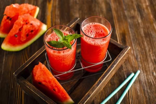 آب هندوانه برای پوست