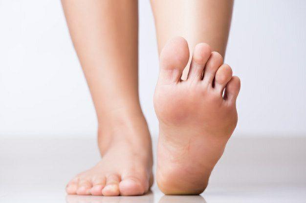 علت درد کف پا چیست؟