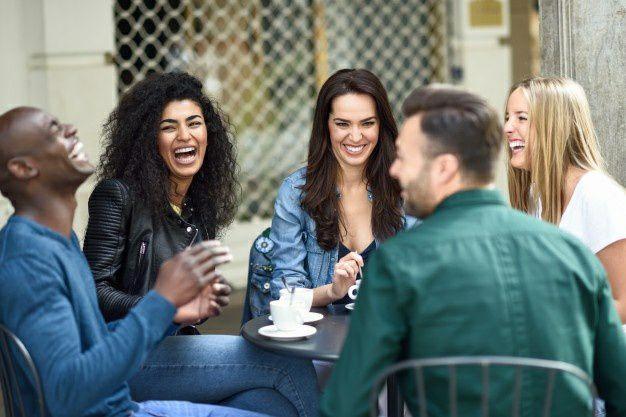 داشتن روابط اجتماعی قوی