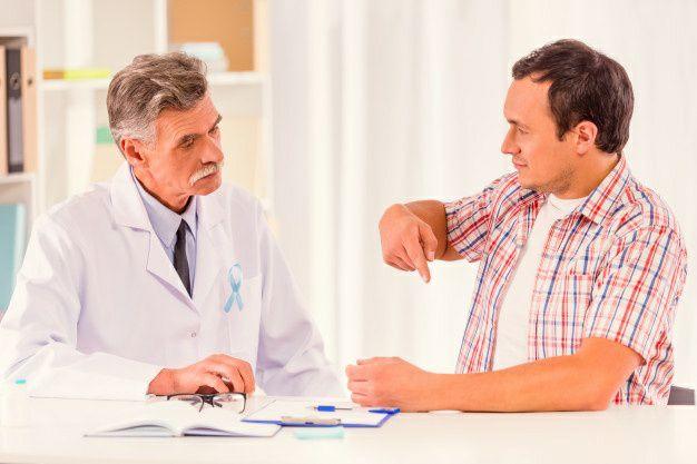چه زمانی باید به پزشک مراجعه کنیم؟