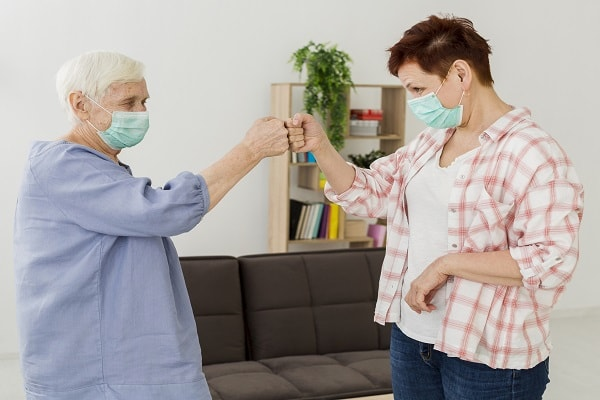 مراقبت از سالمندان در برابر ویروس کرونا