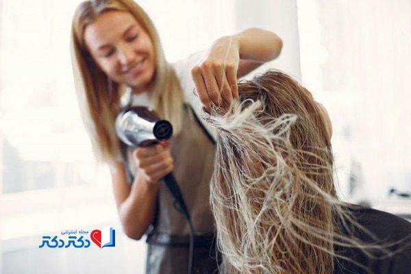 سشوار کشیدن مو در درمان شپش